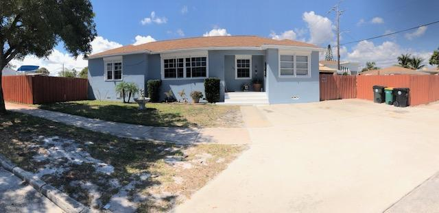 1301 N D Street, Lake Worth, FL 33460 (#RX-10416522) :: United Realty Consultants, Inc