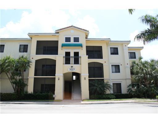3019 Alcazar Place #305, Palm Beach Gardens, FL 33410 (#RX-10432032) :: Ryan Jennings Group