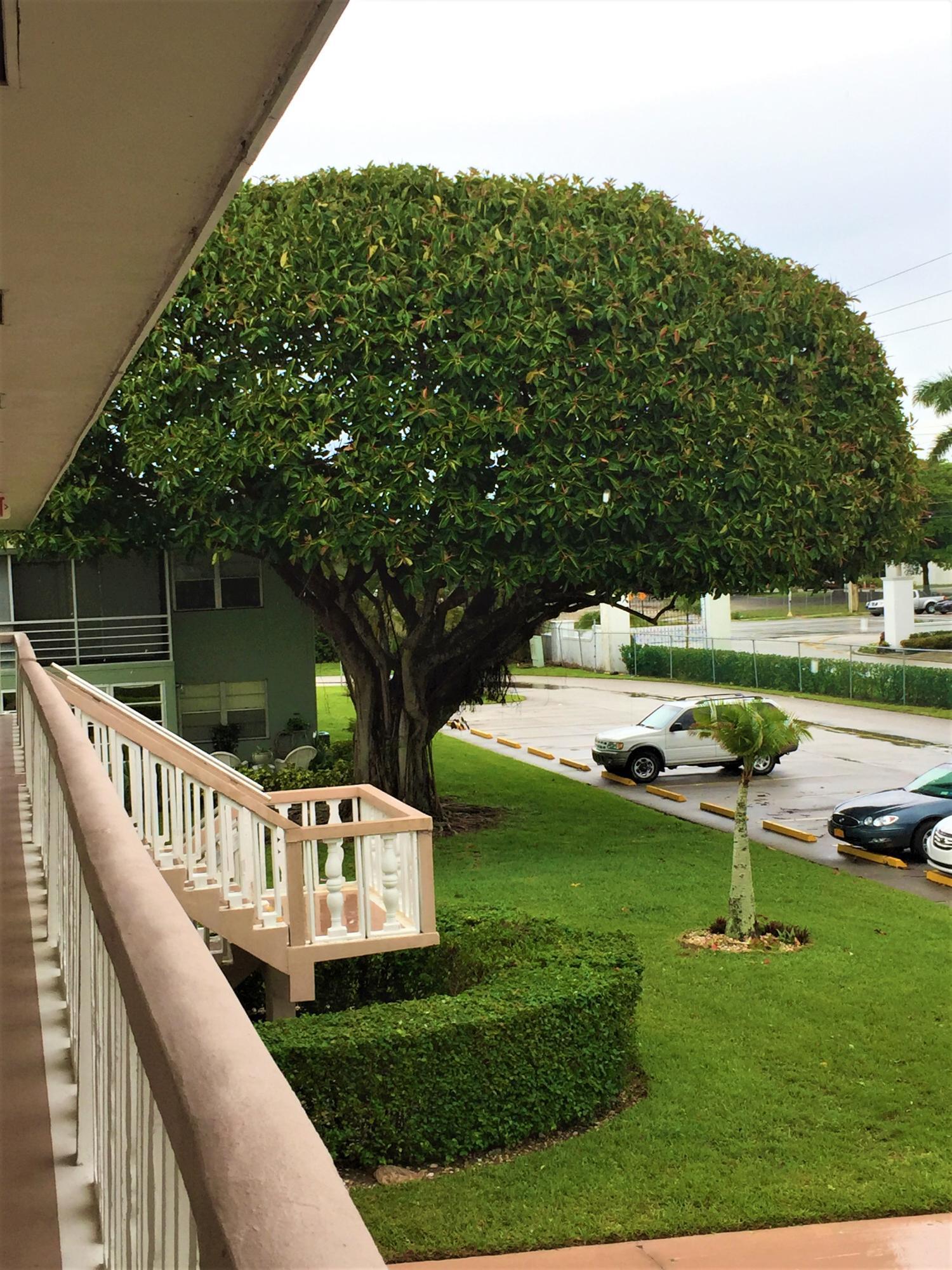 15 Easthampton A, West Palm Beach, FL 33417 (#RX-10433122) :: Ryan Jennings Group