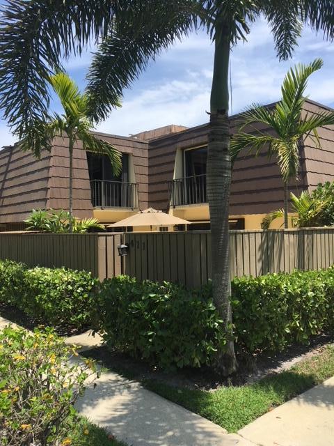 411 4th Court, Palm Beach Gardens, FL 33410 (#RX-10433561) :: Ryan Jennings Group