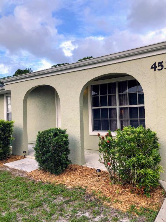 453 NE Armory Circle, Port Saint Lucie, FL 34983 (#RX-10434332) :: The Carl Rizzuto Sales Team