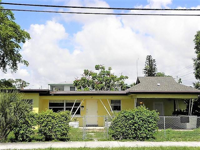 317 S Seacrest Boulevard, Boynton Beach, FL 33435 (#RX-10438539) :: The Reynolds Team/Treasure Coast Sotheby's International Realty