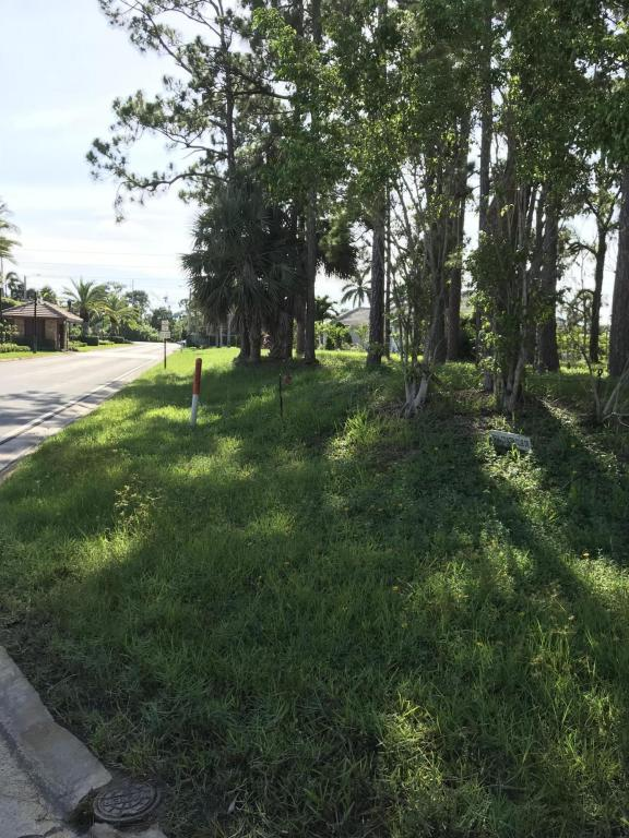 553 N Country Club Drive, Atlantis, FL 33462 (#RX-10439361) :: Weichert, Realtors® - True Quality Service