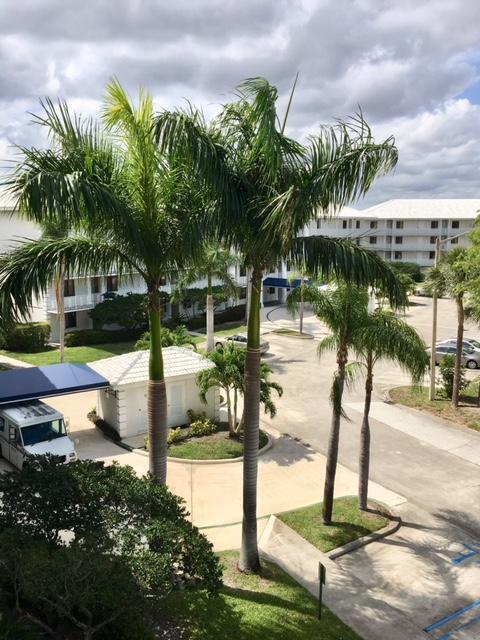 2701 Village Boulevard #401, West Palm Beach, FL 33409 (#RX-10441625) :: Ryan Jennings Group