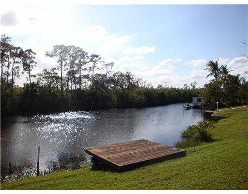 594 Beach Avenue, Port Saint Lucie, FL 34952 (#RX-10447997) :: Dalton Wade