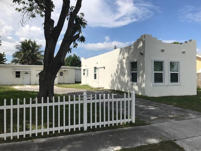 625 Glenridge Drive, West Palm Beach, FL 33405 (#RX-10450103) :: The Reynolds Team/Treasure Coast Sotheby's International Realty