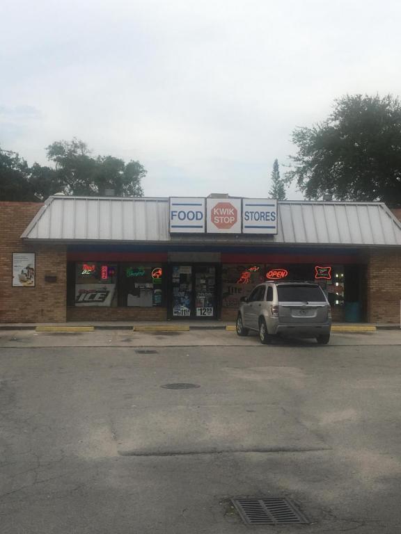 708 Delaware Avenue, Fort Pierce, FL 34950 (#RX-10450322) :: Ryan Jennings Group