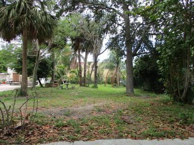 927 Almeria Road, West Palm Beach, FL 33405 (#RX-10450626) :: The Reynolds Team/Treasure Coast Sotheby's International Realty