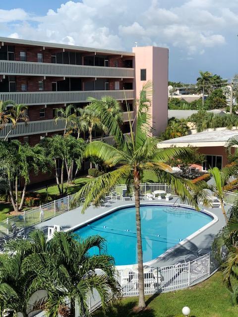 200 NE 12th Avenue 7D, Hallandale Beach, FL 33009 (MLS #RX-10453446) :: Castelli Real Estate Services