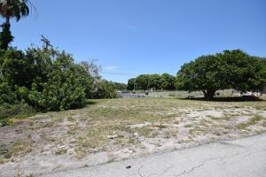205 Seacrest Lane, Delray Beach, FL 33444 (MLS #RX-10456194) :: Castelli Real Estate Services