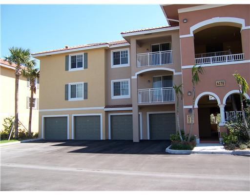 6378 Emerald Dunes Drive #301, West Palm Beach, FL 33411 (#RX-10460114) :: Ryan Jennings Group