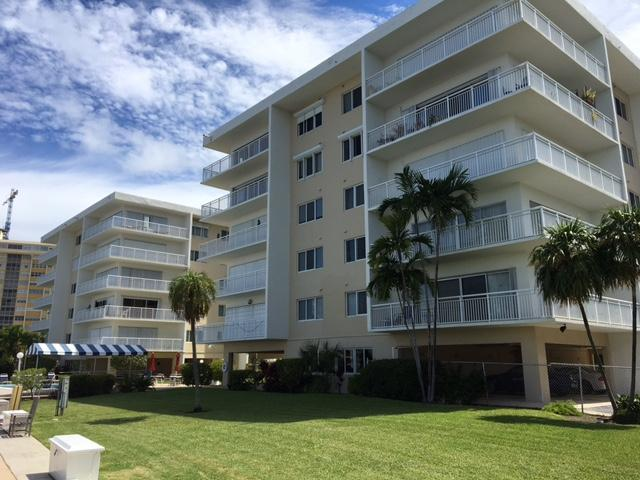 126 Golden Isles Drive 33A, Hallandale Beach, FL 33009 (MLS #RX-10464088) :: Castelli Real Estate Services