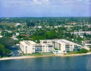 1516 S Lakeside Drive #306, Lake Worth, FL 33460 (#RX-10465476) :: United Realty Consultants, Inc