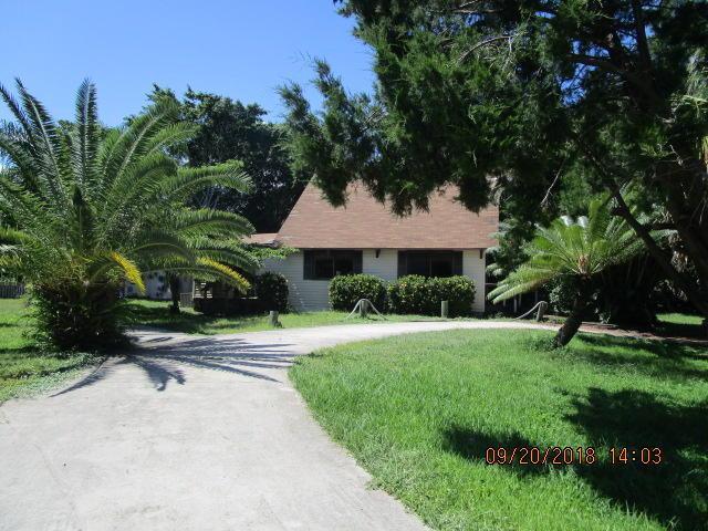 5601 Spruce Drive, Fort Pierce, FL 34982 (#RX-10467844) :: The Reynolds Team/Treasure Coast Sotheby's International Realty