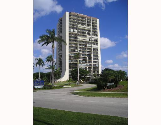 2000 Presidential Way #1103, West Palm Beach, FL 33401 (#RX-10470991) :: Ryan Jennings Group
