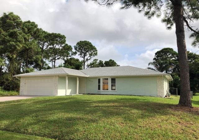 1655 SW Norman Lane, Port Saint Lucie, FL 34984 (#RX-10471017) :: The Reynolds Team/Treasure Coast Sotheby's International Realty