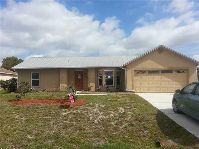 493 SW Tarra Avenue, Port Saint Lucie, FL 34953 (#RX-10471410) :: Ryan Jennings Group
