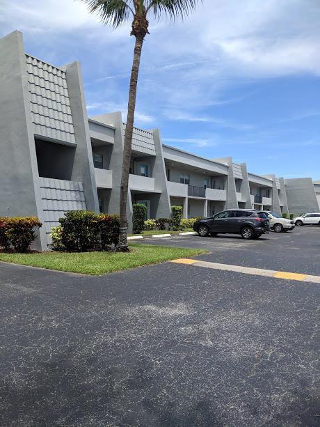 2600 Fiore Way #2060, Delray Beach, FL 33445 (MLS #RX-10480706) :: Castelli Real Estate Services