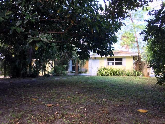 2427 Country Oaks Lane, Palm Beach Gardens, FL 33410 (#RX-10481760) :: Ryan Jennings Group