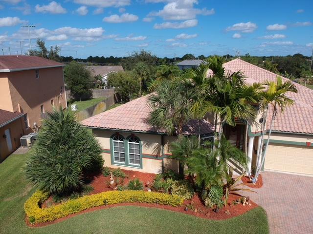 3411 SE Bevil Avenue, Port Saint Lucie, FL 34984 (#RX-10482078) :: The Reynolds Team/Treasure Coast Sotheby's International Realty