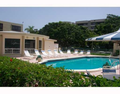 555 Banyan Tree Lane #404, Delray Beach, FL 33483 (#RX-10487079) :: The Rizzuto Woodman Team