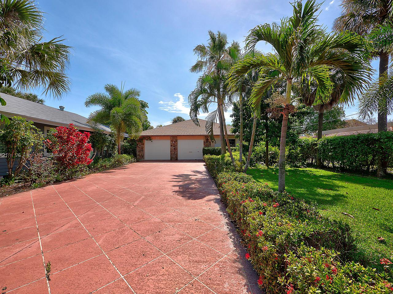 1402 N Lakeside Drive, Lake Worth, FL 33460 (#RX-10487641) :: The Reynolds Team/Treasure Coast Sotheby's International Realty