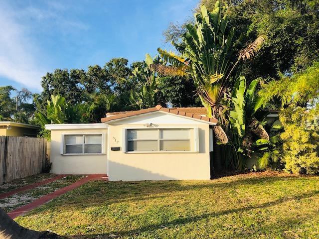317 SW 22nd Street, Fort Lauderdale, FL 33315 (MLS #RX-10488600) :: Castelli Real Estate Services
