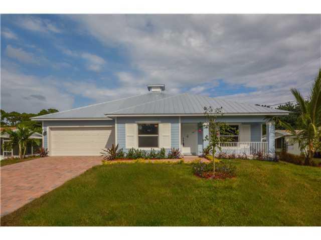 8069 SE Camellia Drive, Hobe Sound, FL 33455 (#RX-10491048) :: The Reynolds Team/Treasure Coast Sotheby's International Realty