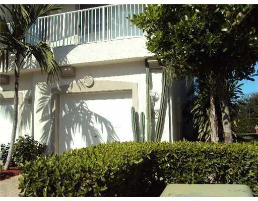 3259 Laurel Ridge Circle, Riviera Beach, FL 33404 (MLS #RX-10493101) :: EWM Realty International