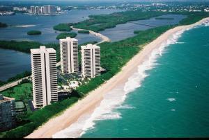 5550 N Ocean Drive 4 C, Singer Island, FL 33404 (#RX-10494820) :: Blue to Green Realty
