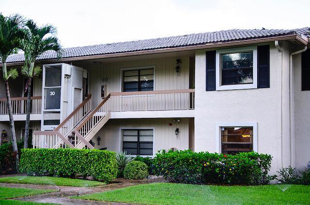 30 Westgate Lane 30D, Boynton Beach, FL 33436 (#RX-10496630) :: Ryan Jennings Group