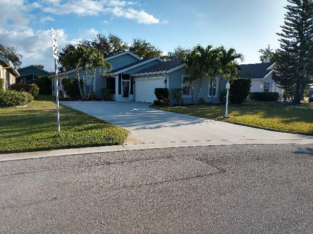 9024 SW Chrysler Circle, Stuart, FL 34997 (#RX-10498006) :: RE/MAX Associated Realty