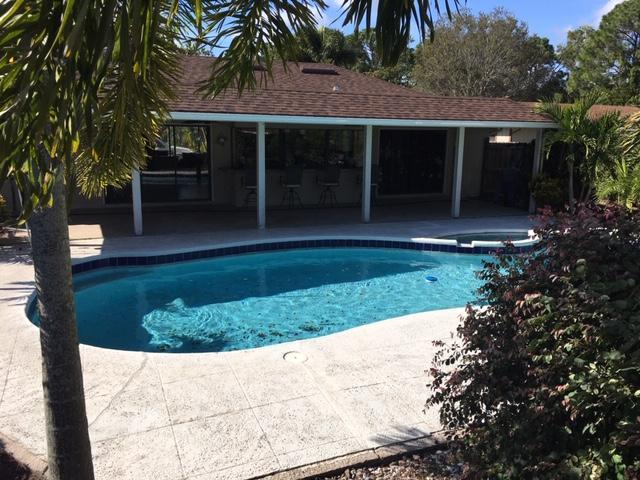 709 NE Eastlake Street, Port Saint Lucie, FL 34983 (#RX-10498051) :: RE/MAX Associated Realty