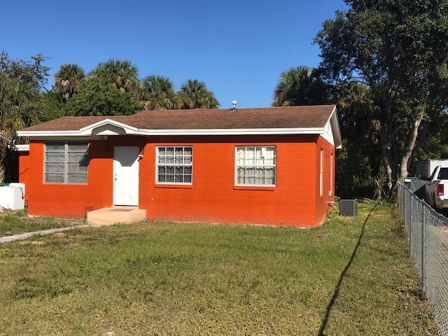 4506 Matanzas Avenue, Fort Pierce, FL 34946 (#RX-10498239) :: RE/MAX Associated Realty