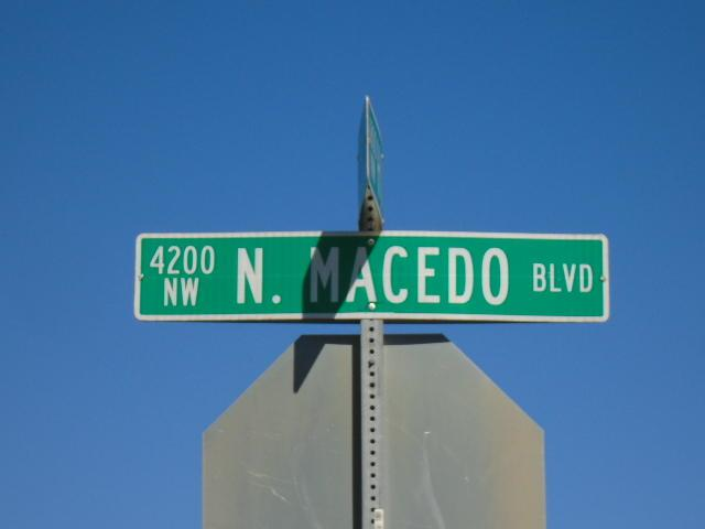 5215 Macedo Boulevard - Photo 1