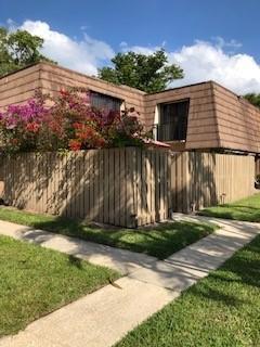 1106 11th Court, Palm Beach Gardens, FL 33410 (#RX-10523920) :: Dalton Wade