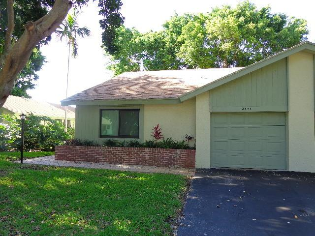 4207 Palm Forest Drive N, Delray Beach, FL 33445 (MLS #RX-10531902) :: Berkshire Hathaway HomeServices EWM Realty