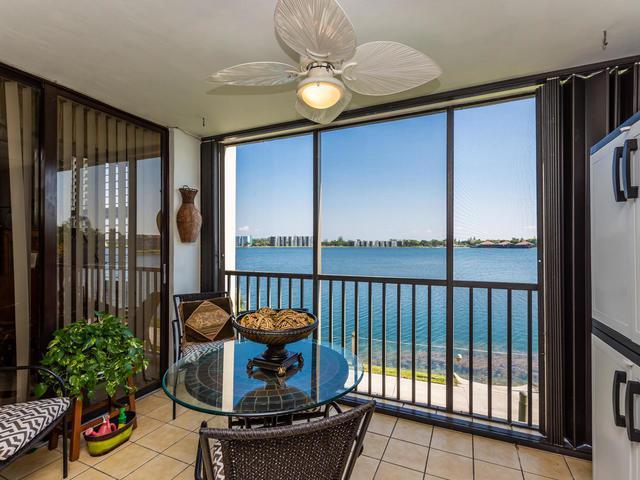 113 Lake Emerald Drive #203, Oakland Park, FL 33309 (#RX-10532075) :: Premier Listings