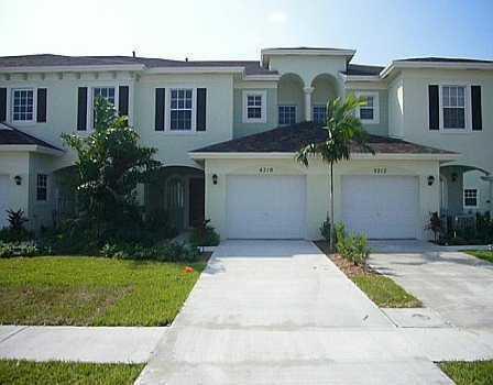 4210 Emerald Vista #102, Lake Worth, FL 33461 (MLS #RX-10535675) :: Berkshire Hathaway HomeServices EWM Realty