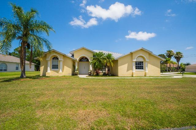 5862 NW Cullom Circle, Port Saint Lucie, FL 34986 (#RX-10538804) :: Ryan Jennings Group