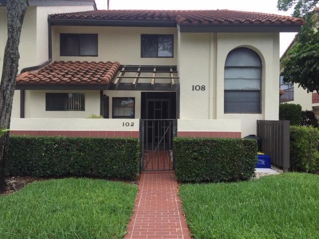 10223 N Circle Lake Drive #102, Boynton Beach, FL 33437 (MLS #RX-10539463) :: The Paiz Group