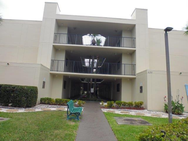 5130 Las Verdes Circle #306, Delray Beach, FL 33484 (#RX-10541340) :: Weichert, Realtors® - True Quality Service