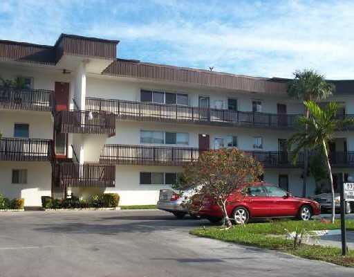 200 Waterway Drive S #105, Lantana, FL 33462 (#RX-10542364) :: Ryan Jennings Group