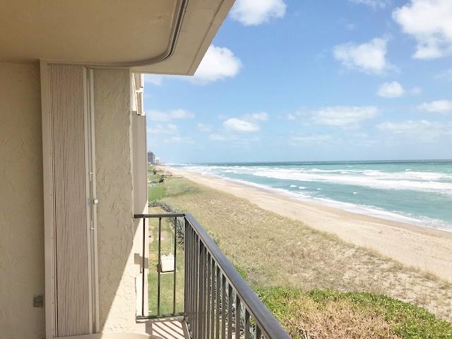 10310 S Ocean Drive #410, Jensen Beach, FL 34957 (#RX-10545500) :: Weichert, Realtors® - True Quality Service