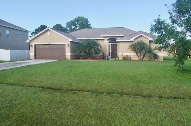 6061 NW Winfield Drive, Port Saint Lucie, FL 34986 (MLS #RX-10548133) :: Berkshire Hathaway HomeServices EWM Realty