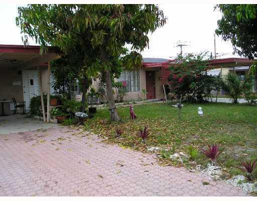 120 NE 35th Street 1-3, Pompano Beach, FL 33064 (MLS #RX-10548658) :: Berkshire Hathaway HomeServices EWM Realty