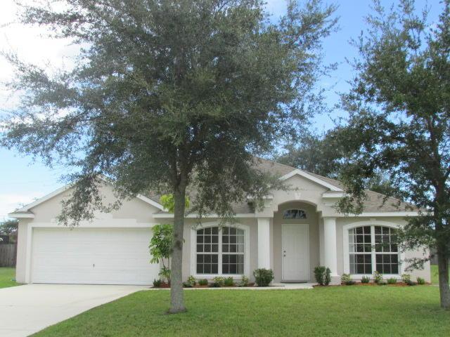 713 SE Brookedge Avenue, Port Saint Lucie, FL 34983 (#RX-10550968) :: Ryan Jennings Group