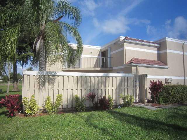 4075 Village Drive D, Delray Beach, FL 33445 (#RX-10551395) :: Weichert, Realtors® - True Quality Service
