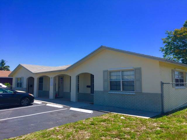 1050 SW 76th Avenue, North Lauderdale, FL 33068 (MLS #RX-10556375) :: Boca Lake Realty