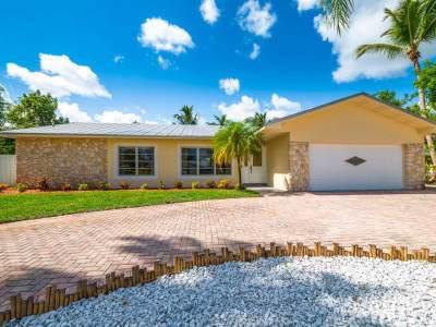 9366 SE River Terrace, Tequesta, FL 33469 (MLS #RX-10558946) :: Castelli Real Estate Services